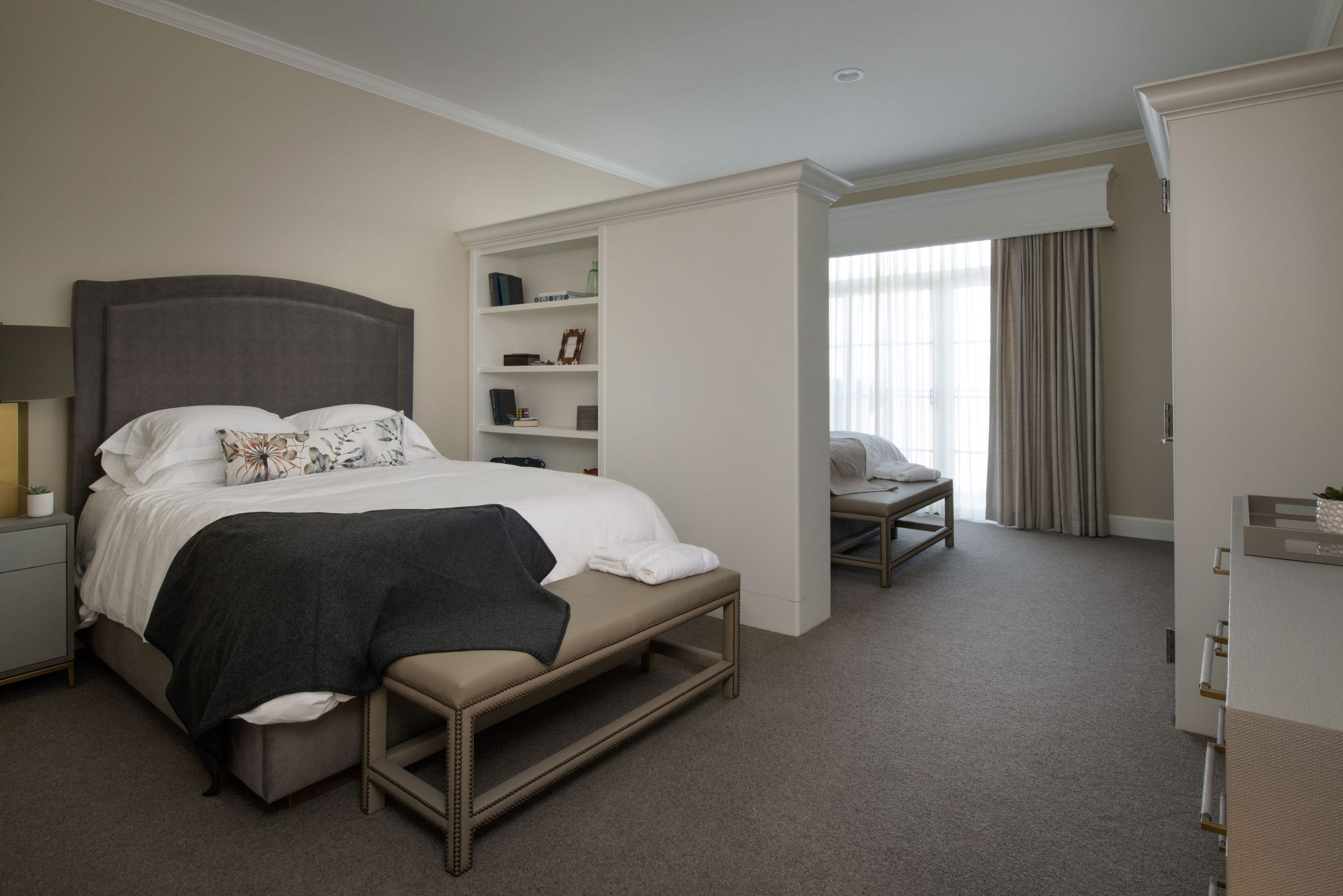 semiprivate suite with two beds